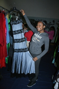 Jetseea from Cozen PAL shopped for her Junior Prom dress